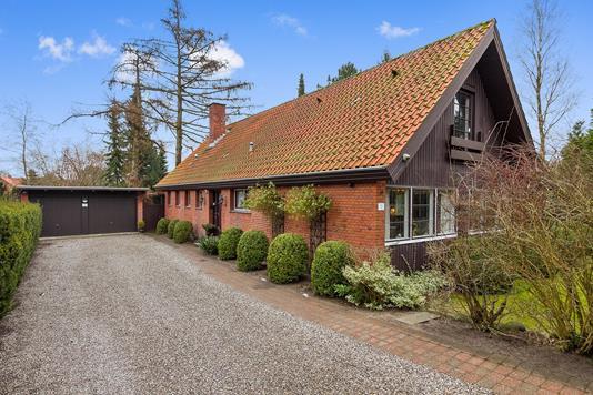 Villa på Ølbyvej i Køge - Set fra vejen