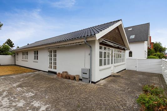 Villa på Gløerfeldtsvej i Køge - Set fra vejen
