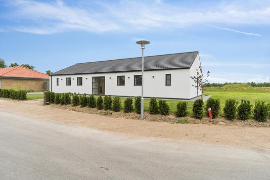 Villa på Abildvænget i Hårlev - Set fra vejen