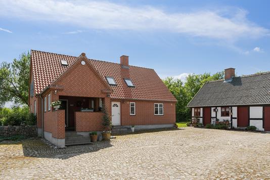 Villa på Ølsemagle Kirkevej i Lille Skensved - Ejendommen
