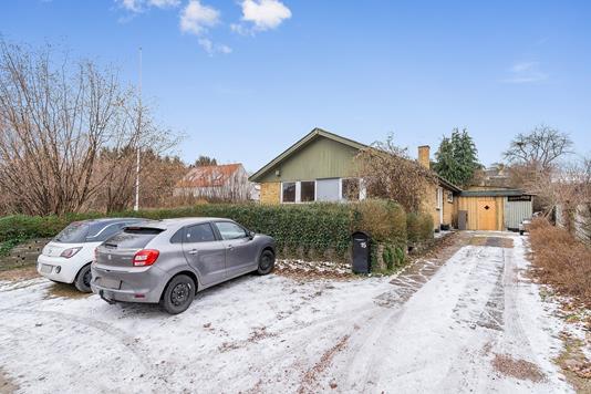 Villa på Åshøjvej i Køge - Set fra vejen