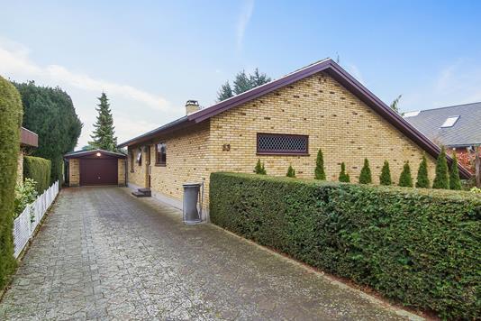 Villa på Egøjevej i Køge - Set fra vejen
