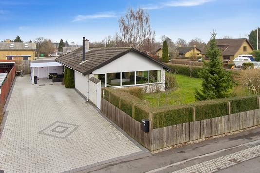 Villa på Smedevænget i Klippinge - Set fra vejen