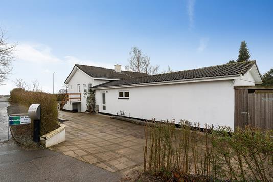 Villa på Sprogøvej i Køge - Set fra vejen