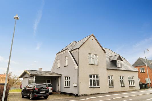 Villa på Vordingborgvej i Rønnede - Set fra vejen