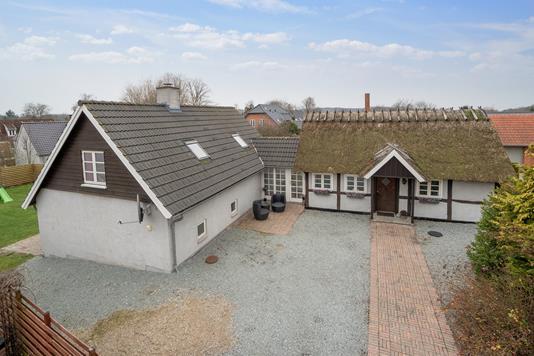 Villa på Ringstedvej i Køge - Set fra vejen