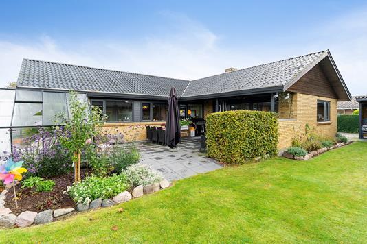Villa på Digevangen i Store Heddinge - Set fra haven