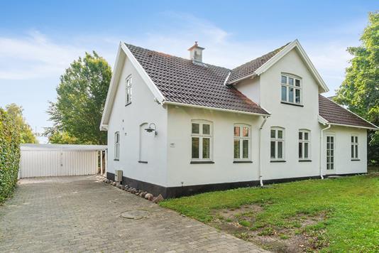 Villa på Ejbyvej i Lille Skensved - Set fra vejen