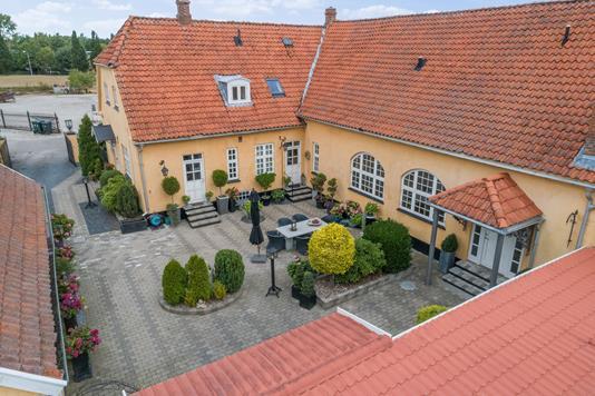 Villa på Smedevej i Bjæverskov - Set fra haven