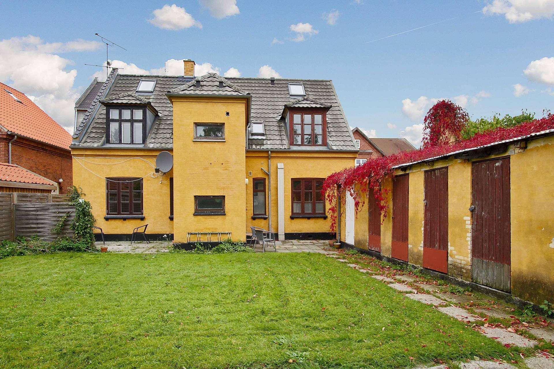 Villalejlighed på Dyrlundsvej i Køge - Ejendommen