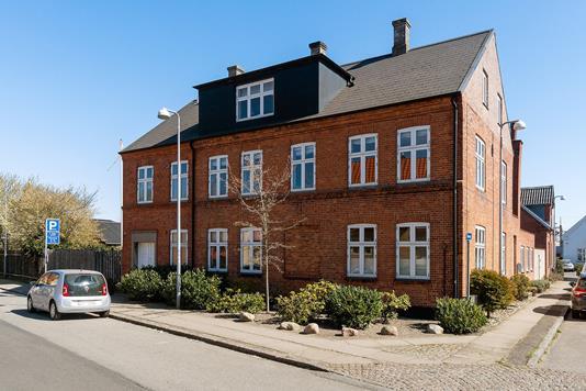 Ejerlejlighed på Quistgaardsvej i Køge - Set fra vejen