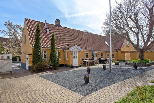 Landejendom på Ringstedvej i Bjæverskov - Ejendommen