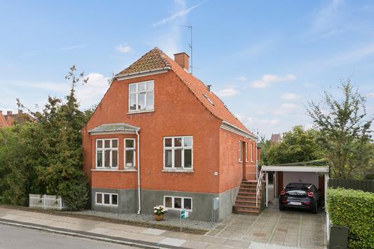 Villa på Tordenskjoldsgade i Køge - Set fra vejen