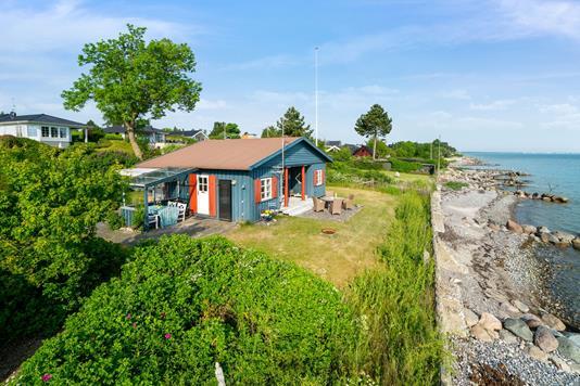 Fritidsbolig på Kystvejen i Strøby - Set fra haven