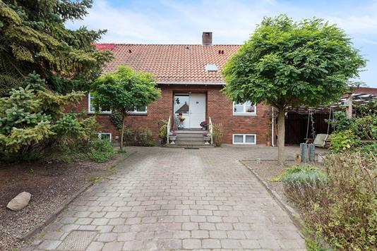 Villa på Æblevej i Køge - Set fra vejen