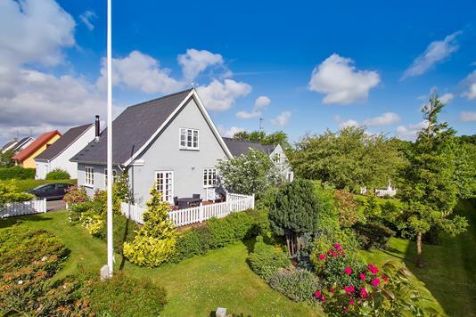 Villa på Møllevangen i Rønne - Ejendommen