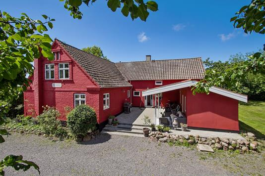 Villa på Kyndegårdsvej i Rønne - Set fra vejen