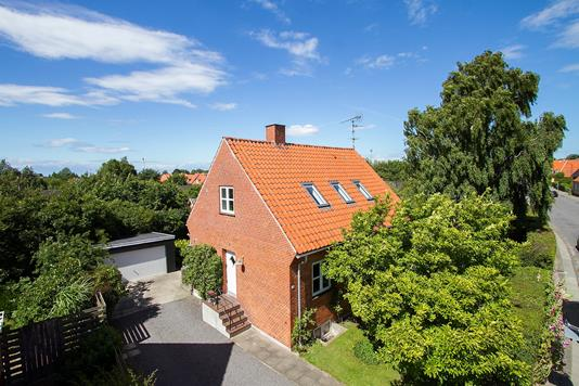 Villa på Byledsgade i Rønne - Ejendommen