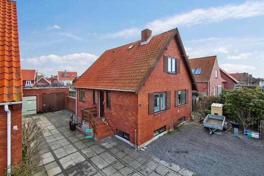 Villa på Borgmester Nielsens Vej i Rønne - Set fra haven