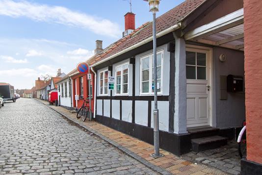 Villa på Lille Madsegade i Rønne - Ejendommen
