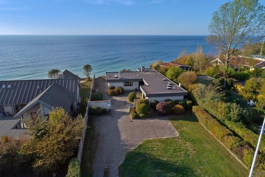 Villa på Hvide Odde Vej i Rønne - Luftfoto