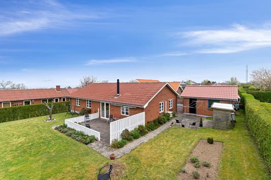 Villa på Perikumvej i Allinge - Set fra haven