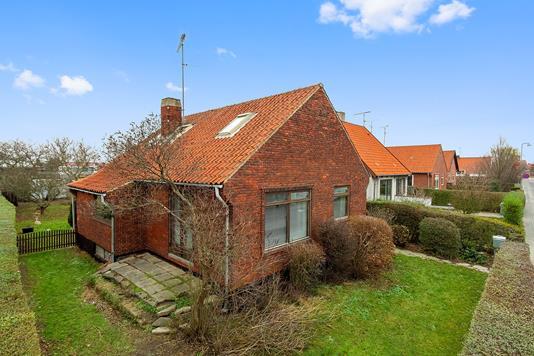 Villa på Zahrtmannsvej i Rønne - Set fra haven