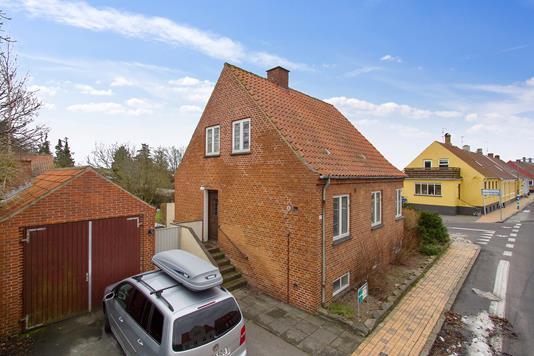 Villa på Storegade i Hasle - Ejendommen