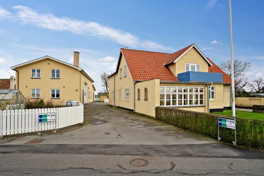 Villa på Stavelund i Rønne - Set fra vejen
