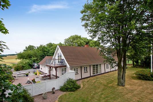 Villa på Tornbyvej i Rønne - Set fra haven