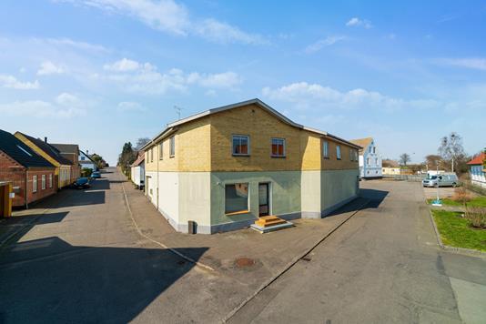 Villa på Nygade i Klemensker - Set fra vejen