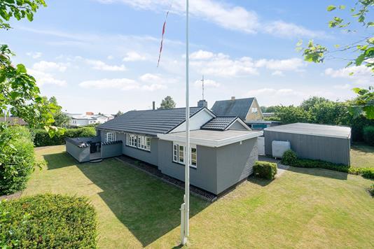 Villa på Møllealle i Rønne - Set fra haven