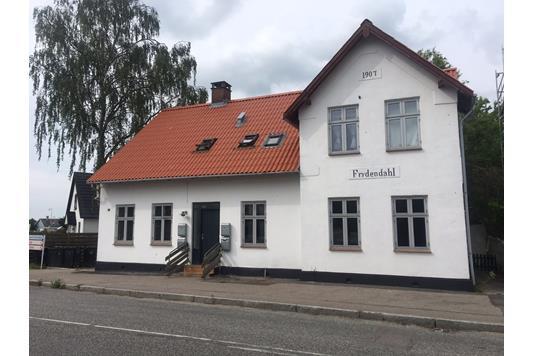 Villa på Borupvej i Skævinge - Ejendommen