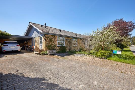 Villa på Holmevej i Helsinge - Indkørsel