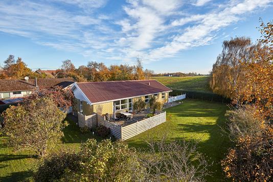 Villa på Saxenkolvej i Vejby - Ejendommen