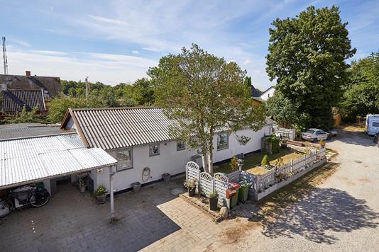 Villa på Bøgevej i Helsinge - Ejendommen