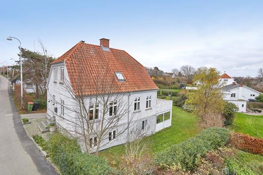 Villa på Frederiksværkvej i Helsinge - Ejendommen