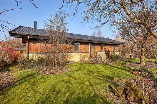 Villa på Kagerup Stationsvej i Helsinge - Ejendommen