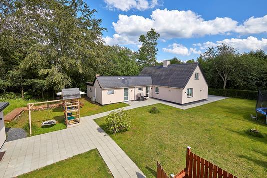 Villa på Bjørstrupvej i Græsted - Ejendommen