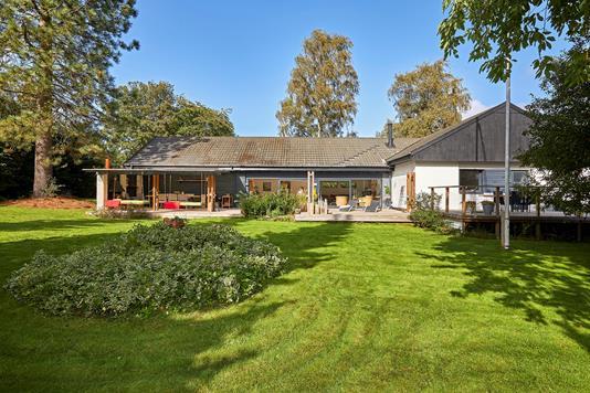 Villa på Granvej i Helsinge - Ejendommen