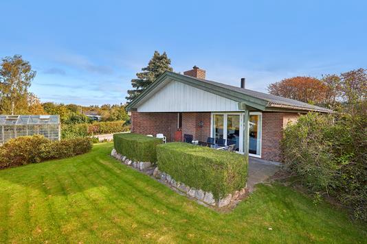 Villa på Niels Lorentzens Vej i Græsted - Ejendommen