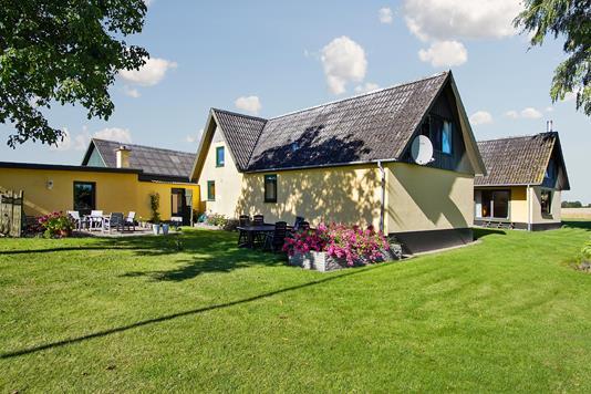 Villa på Søndre Led i Kalvehave - Set fra haven