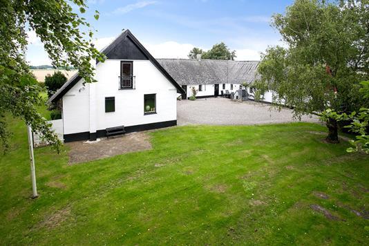 Villa på Gadeskovvej i Lundby - Ejendommen