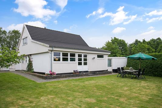 Villa på Sværdborgvej i Lundby - Set fra haven