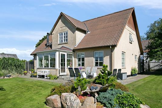 Villa på Pollerupvej i Stege - Set fra haven