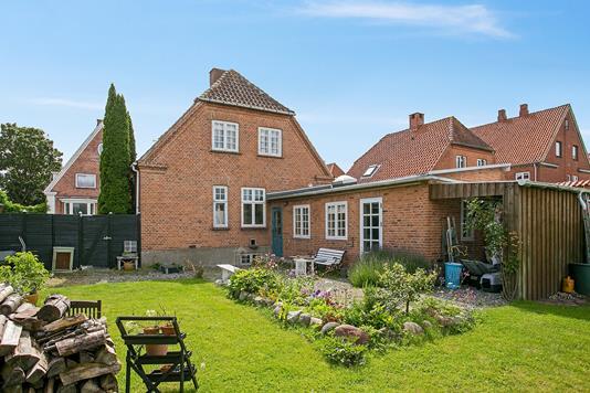 Villa på Jernbanegade i Vordingborg - Ejendommen