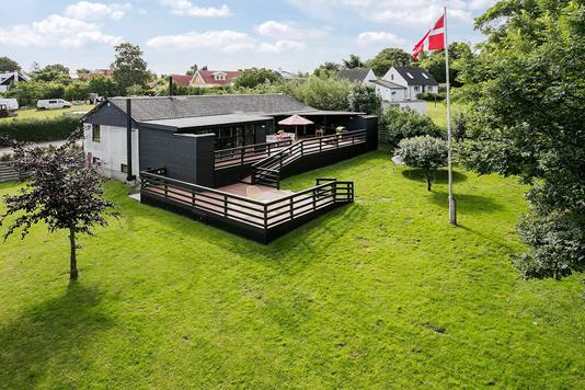 Villa på Solbakkevej i Bogø By - Ejendommen