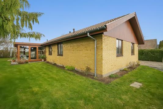 Villa på Blåbærvej i Mern - Set fra haven