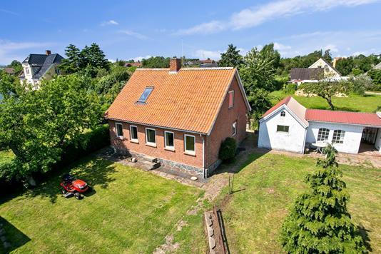 Villa på Bygaden i Kalvehave - Set fra haven