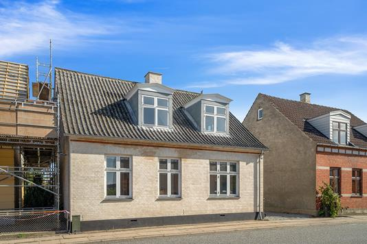 Villa på Valdemarsgade i Vordingborg - Set fra vejen
